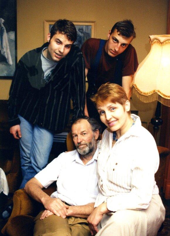 Adomaičių šeima: Regimantas ir Eugenija, sūnūs Gediminas ir Mindaugas