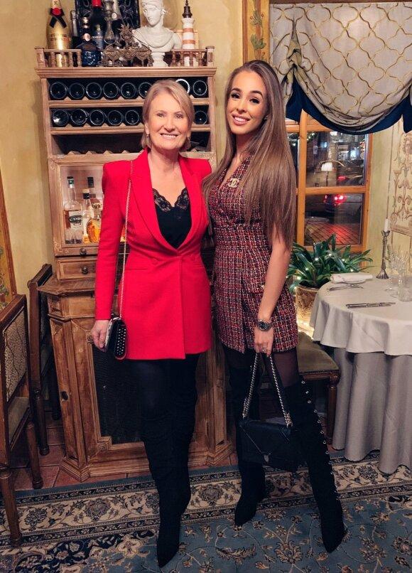 VIktorija Siegel su mama