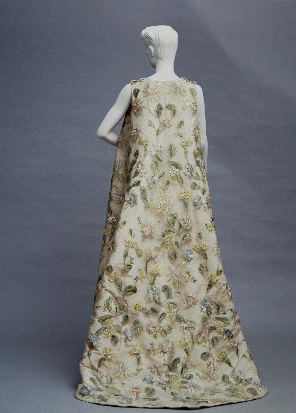 Paslaptingasis dizaineris Balenciaga apie savo darbus kalbėjo mažai, bet priversdavo damas alpti iš susižavėjimo
