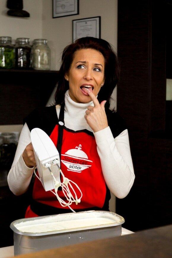 """""""Siurprizas lėkštėje"""": kokiais patiekalais nustebino dainininkė I. Starošaitė?"""