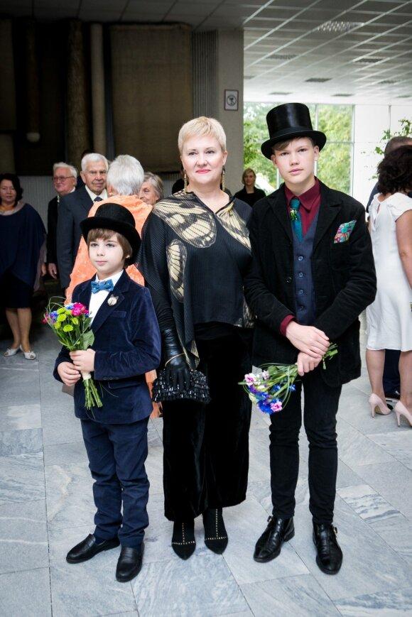 Algimanto Čekuolio dukra Ieva su sūnumis