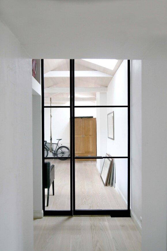 Darbo kambarys atspindi ir Antano Marcelionio pomėgius