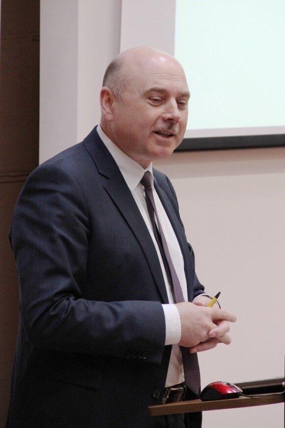 Prof. habil. dr. Romas Gruzauskas