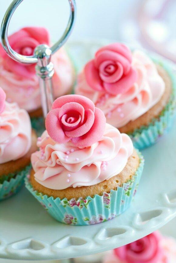 Vestuvinis tortas iš keksiukų