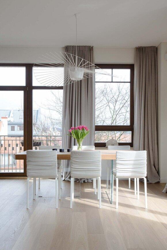 Šviesos eksperimentai 140 kv.m bute Vilniuje