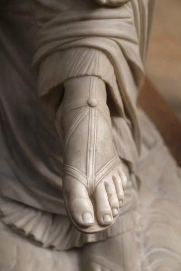 Pažvelk į savo kojų pirštus: tik išskirtinės asmenybės turi Mortono formą