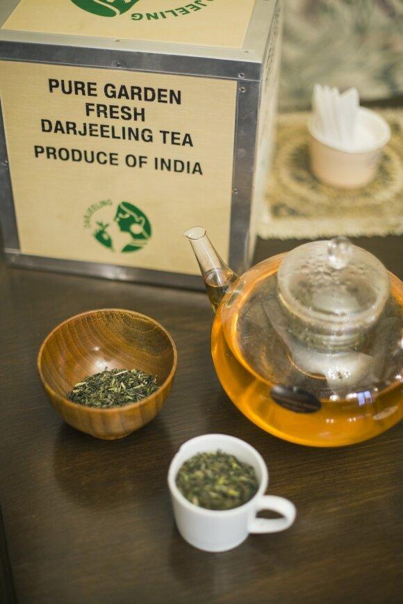 Į Lietuvą atkeliavo prabangi arbata, kurią sukčiai įpratę klastoti
