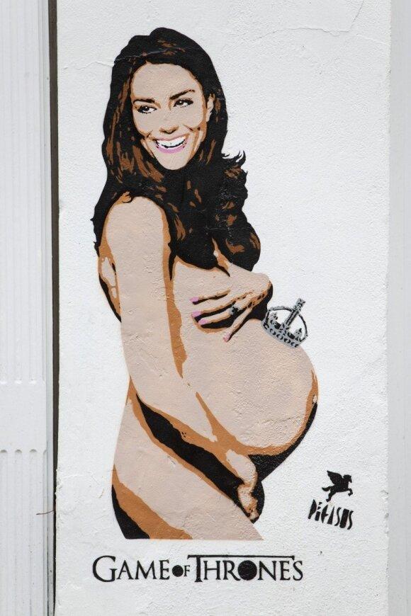 """Nėščia ir nuoga Kate Middleton traukia praeivių akis <sup style=""""color: #ff0000;"""">(FOTO)</sup>"""