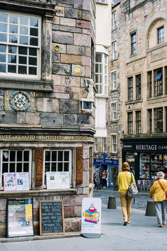 Škotijos bažnyčios reformatoriaus John'o Knox'o namas – seniausias daugiabutis senamiestyje