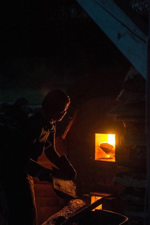 Vulkaninio karščio keramikos degimai Karmazinų slėnyje
