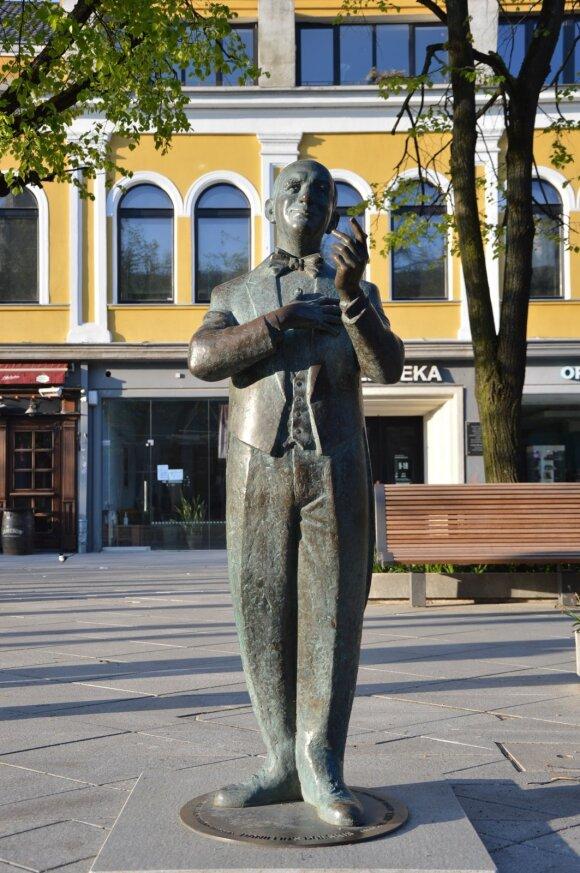 Skulptūra Danieliui Dolskiui Kaune (ydų kultūros paveldo kelio asociacijos nuotr.)