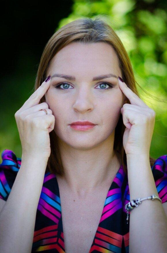 Veido jogos trenerė: veido nepaslėpsi nei po sijonu, nei po ilgomis rankovėmis