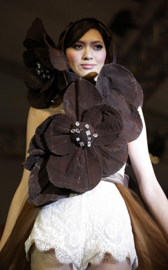 Šokoladinių drabužių modelis: norėčiau juos suvalgyti