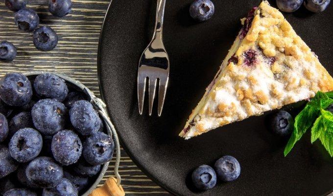 Nepaprastas skonis: mėlynių (arba šilauogių) pyragas su varške