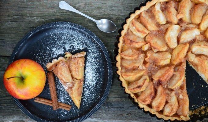 Smaližių svajonė: nepaprastai skanus karamelinis obuolių pyragas