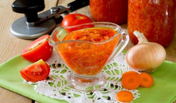 Ruoškis žiemai: naminis pomidorų padažas