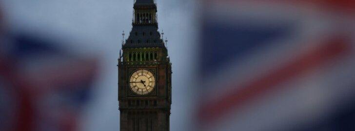 """D. Britanijos parlamentarai nenoriai pritarė teisės aktui dėl """"Brexit"""""""