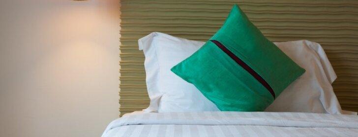 Kaip įrengti miegamąjį, kad jame atsigautumėte ir nebūtų ginčų