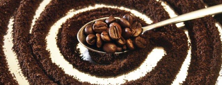 Kavos tirščiai – daržo kompostui