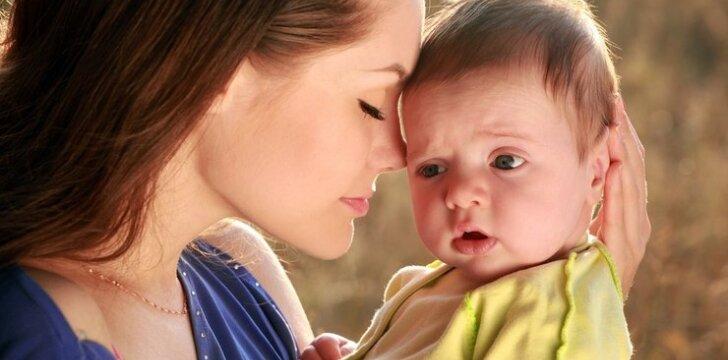 7 frazės, kurių verčiau nesakykite jaunai mamai