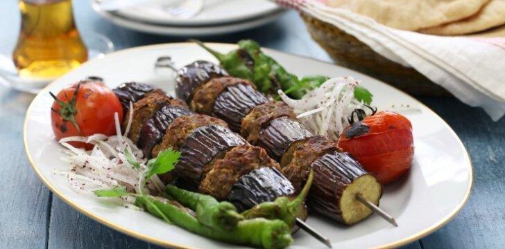 Baklažanų ir mėsos vėrinukai