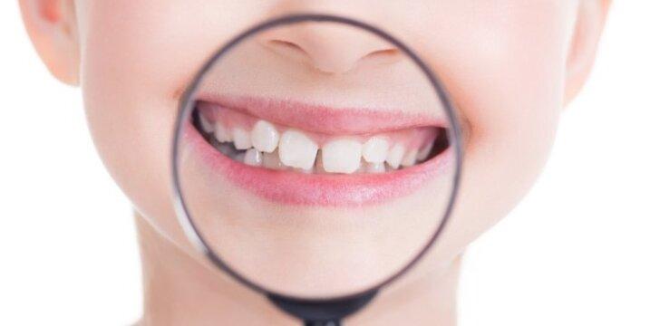 Odontologė R.Račienė paneigia 5 dažniausius mitus apie vaikų dantis
