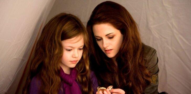 """Jos vėl drauge! Po 10 metų """"Saulėlydžio"""" mamytė ir dukrytė pagaliau susitiko (FOTO)"""