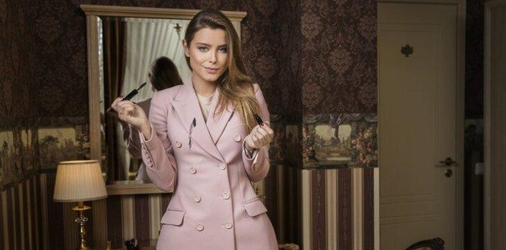 Stilistė Gabija Varnaitė: stilinga išlikti galima ir tą pačią suknelę vilkint kelis kartus