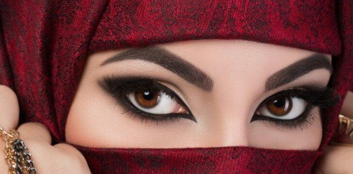 """Musulmoniško <span style=""""color: #c00000;"""">šydo paslaptys</span>: arabės nebe tokios, kaip anksčiau"""