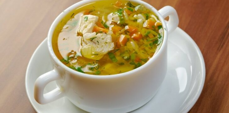 Soti vištienos ir ryžių sriuba