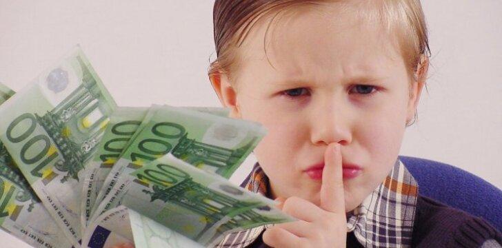 A. Landsbergienė: sulaukę 7 metų, mano vaikai jau naudojosi banko kortelėmis