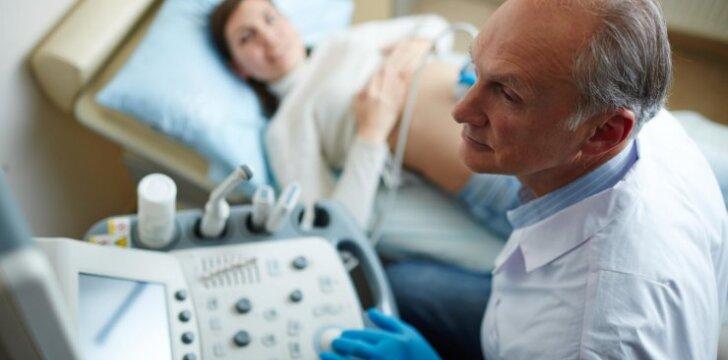 "Nėštumo metu diagnozę ""vėžys"" išgirdusi Vaida dėkoja ją ir sūnų išgelbėjusiems medikams"