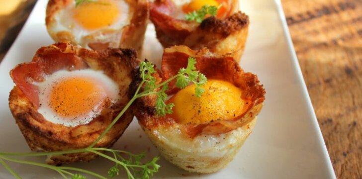 Kiaušinių ir kumpio keksiukai