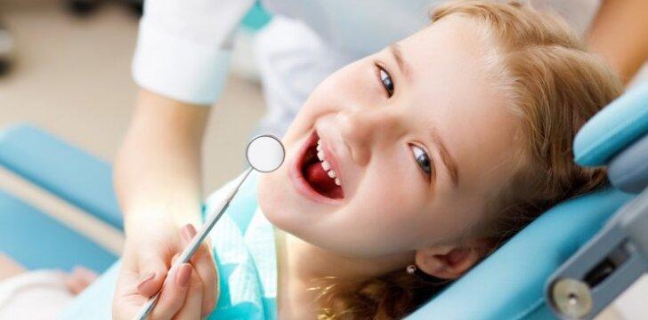 Gydytoja pataria, kaip išsaugoti sveikus dantis