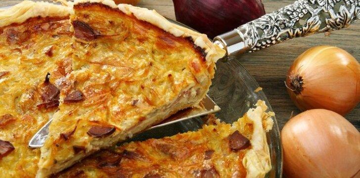 Pikantiškas svogūnų pyragas