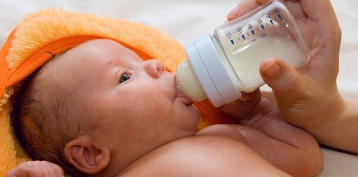 Kodėl uždraudžiami laimingi vaikai ant pieno mišinių pakuočių?