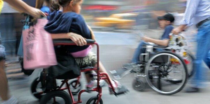 """Gimus neįgaliam vaikui, tėtis kažkur """"išnyksta"""" iš šeimos"""
