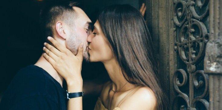 Vaikinų lūpomis: mus tikrai atstumtų mergina, turinti šias 5 SAVYBES