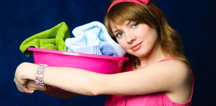 DIENOS PATARIMAS. Kaip pasigaminti skalbinius purinantį kamuolį ir dar kai kas....