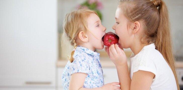 3 svarbiausi vitaminai vaikui: ką valgyti, kad jų netrūktų