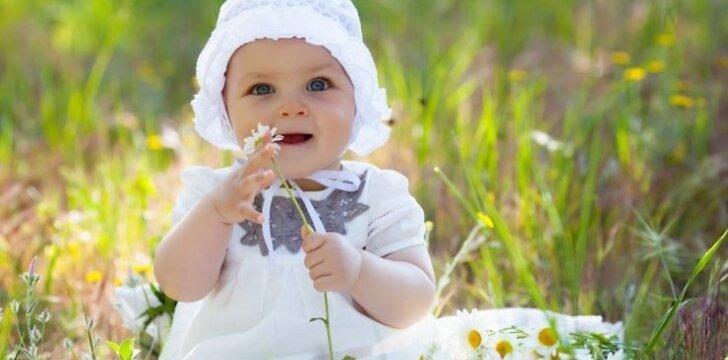 Kokio amžiaus mažylis lengviausiai atsisako mamos pieno?