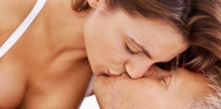 Pagimdžius atšalo jausmai ir aistra vyrui: ką daryti pirmiausia?