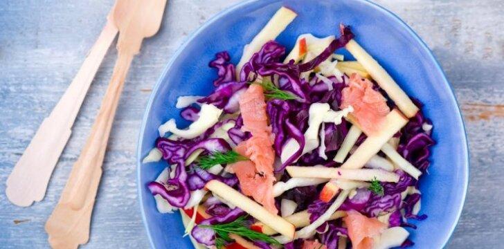 Sveikos salotos su lašiša