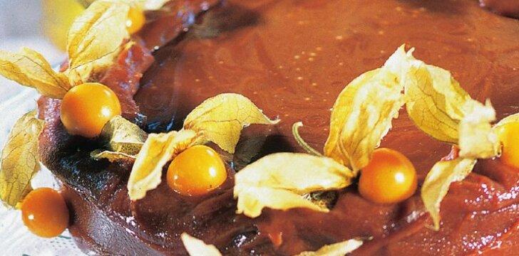 Smaližių svajonė - pyragas šokoladiniu glaistu