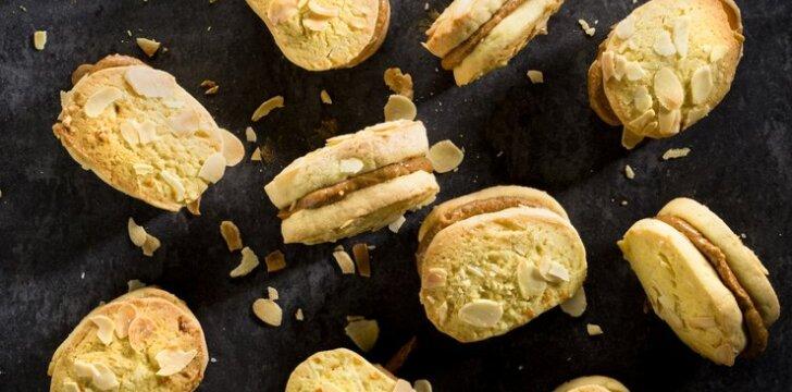 Naminiai sausainiai su apelsinine karamele