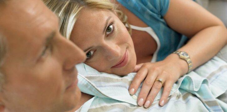Moters galvoje - patys netikėčiausi sekso scenarijai su visomis smulkmenomis.