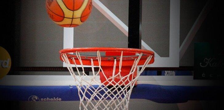 """""""Naglis"""" pasipildė JAV ir Sudano krepšininkais"""