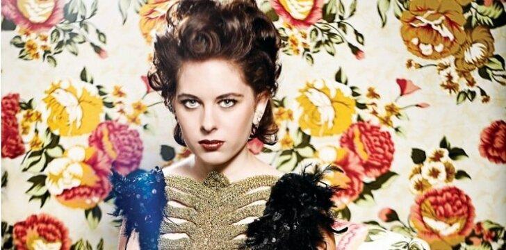 """Fashionistų karai: parodyk savo stiliuką, laimėk fotosesiją """"Panelės"""" žurnale ir kosmetikos rinkinį!"""