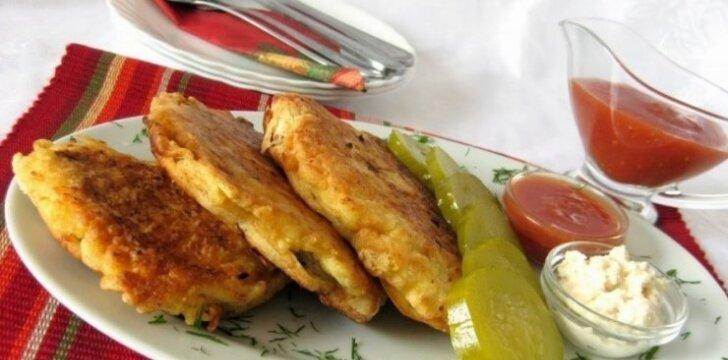 Gardūs vištienos kepsneliai su sūriu