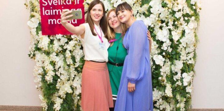 """Daugiau nei 700 moterų mamos dieną šventė konferencijoje """"Sveika ir laiminga mama"""""""